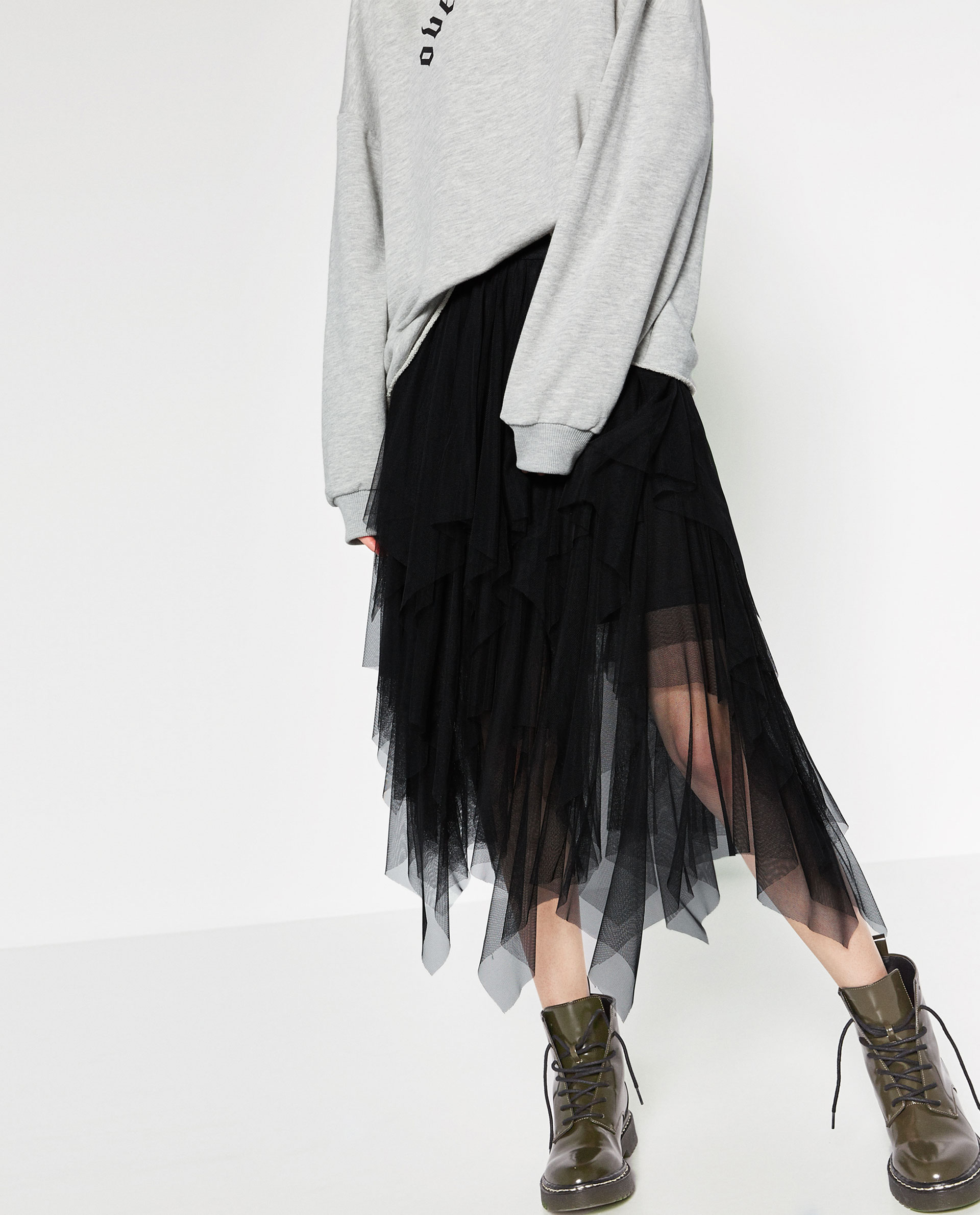 zara, tulle skirt, black, sweatshirt, gray, styling,