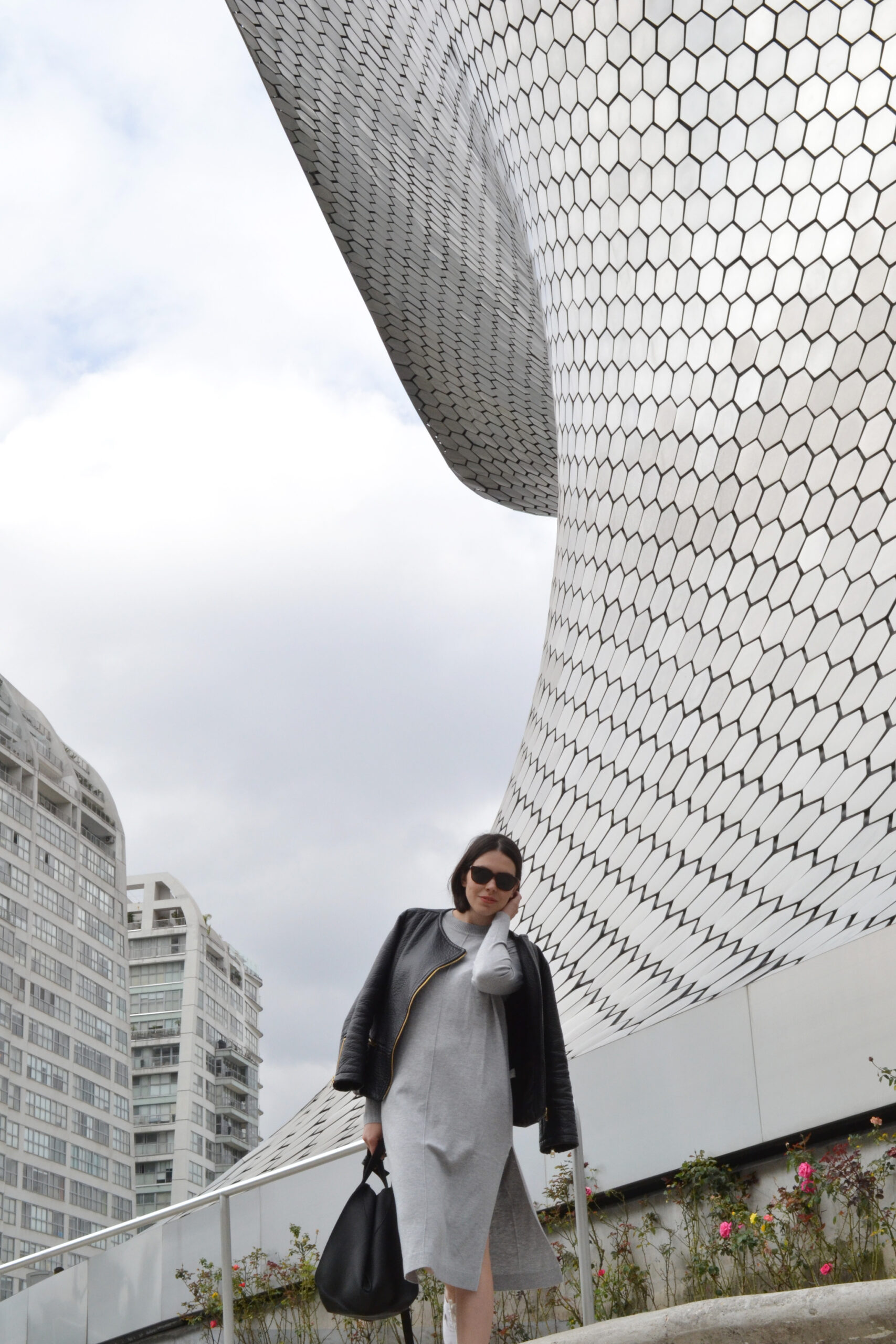 sweater dress, knit, light gray, white sneakers, white canvas sneakers, loewe bag dupe, leather jacket, vegan leather, mexico city, soumaya, museo, daniela soriano, outfit, ideas,