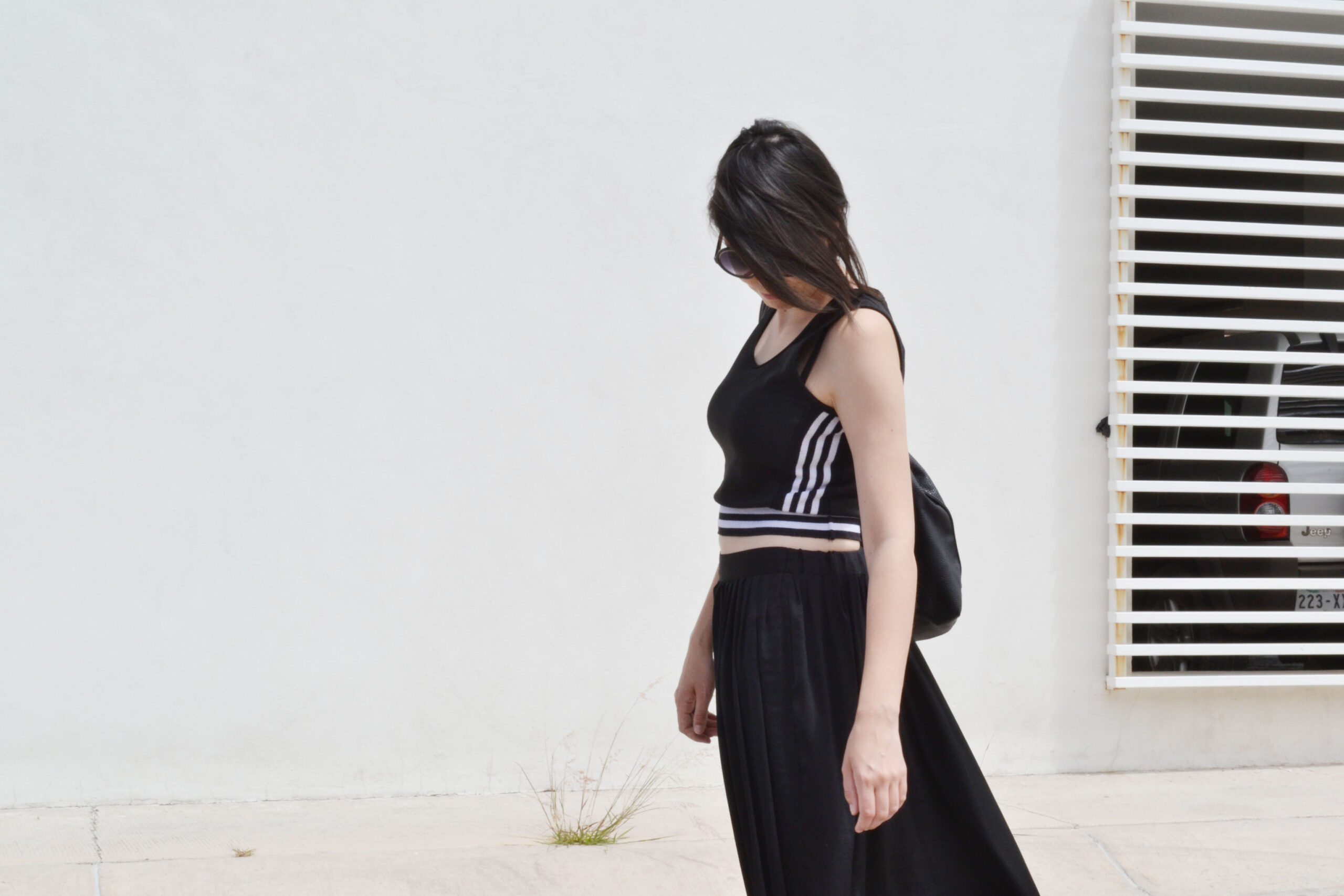 daniela soriano, maxi skirt, total black outfit, minimal fashion,