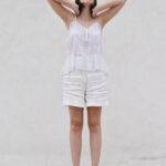 white top, total white, outfit, ideas, summer, slip top, emboidered fabric, daniela soriano, ideas, look of the day, white shorts,
