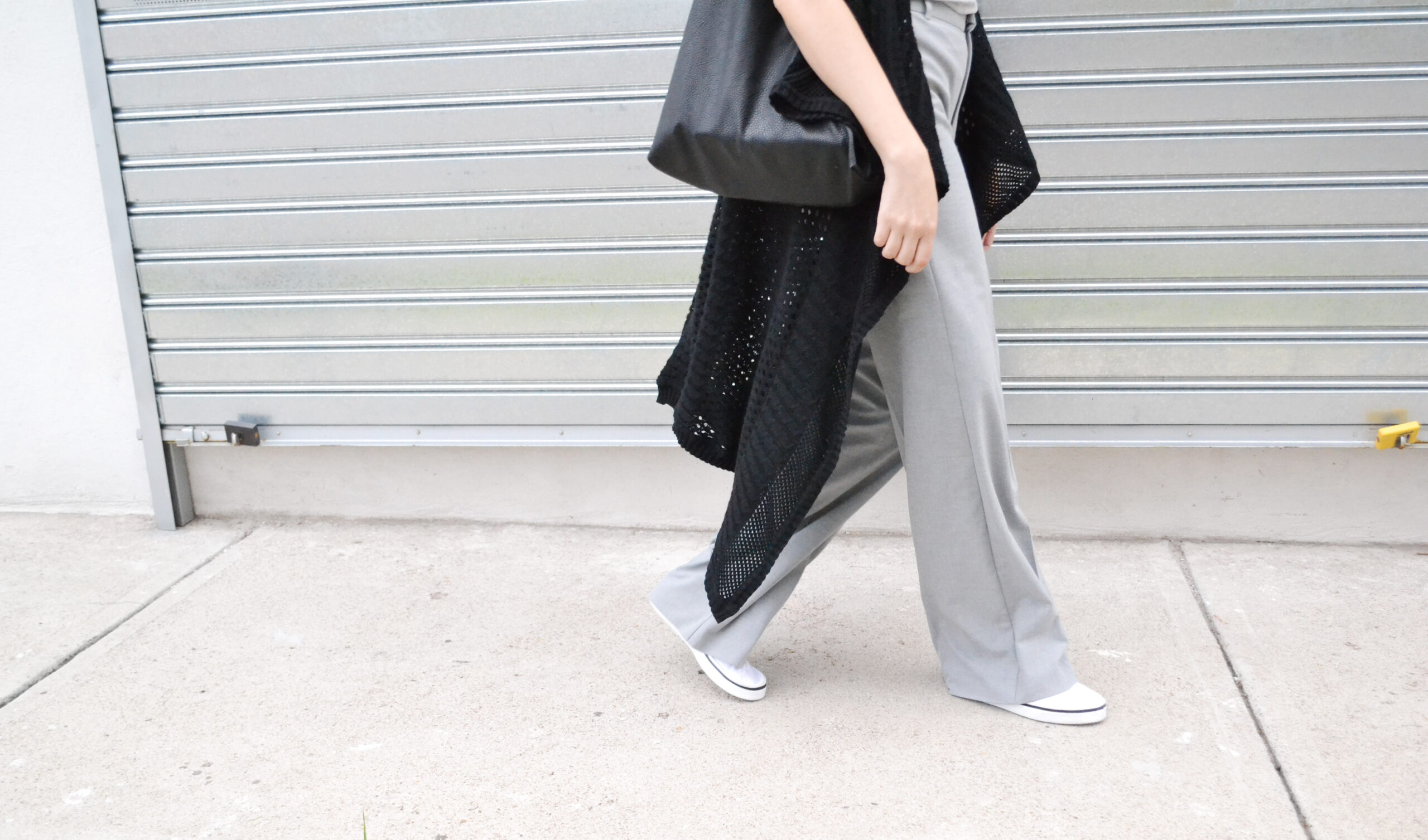 daniela soriano, outfit, ideas, fall, transitioning, wide leg pants, gray, light gray, knit, vest, leather tote bag, white sneakers, canvas sneakers, outfit, ideas,